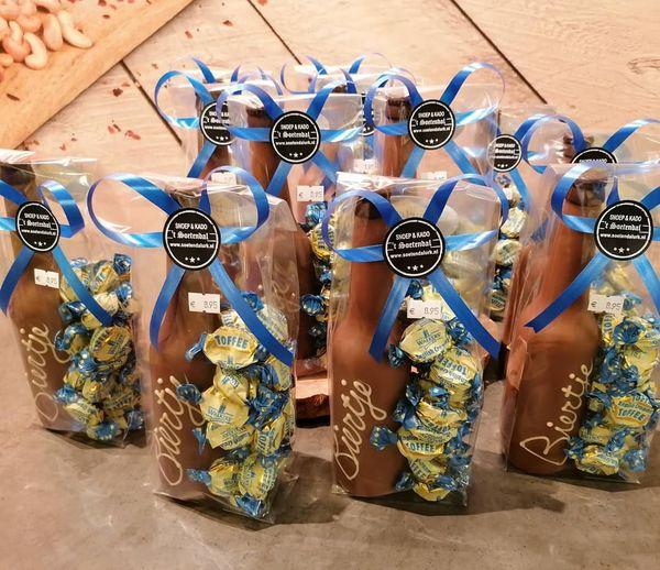 Bierflesjes…gemaakt van de lekkerste chocolade #bierliefhebber #chocolade #soe…